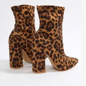 NWT Boohoo Heeled Sock Boots in Leopard